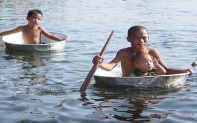 Tone sap lake boat boys