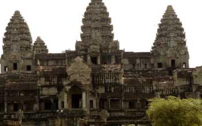 Angkor wat inside inner courtyard