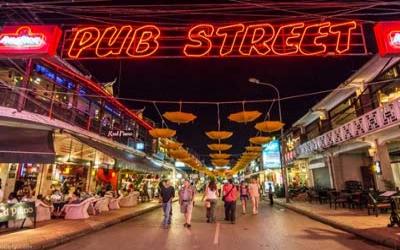 Siem Reap Pub street 50c beer