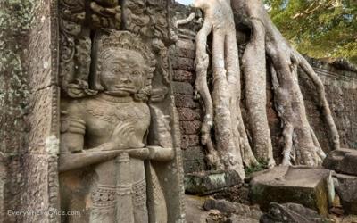 Preah Kan statues