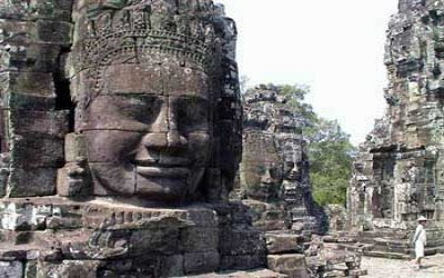 Angkor Thom 200+ Buddha Heads