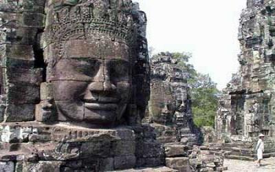 Over 200 giant budhha heads